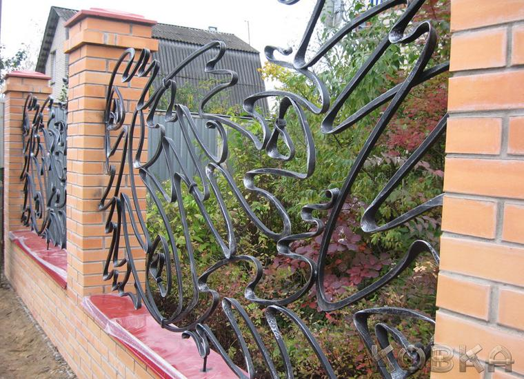 Красивый забор из металла своими руками 56